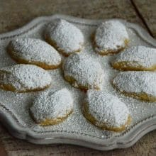 Lebanese Butter Cookies, or Ghraybeh