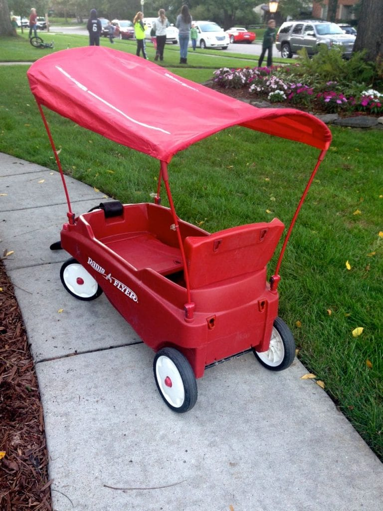 Red wagon, Maureen Abood