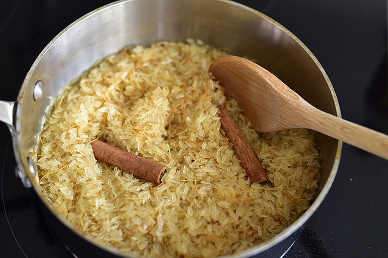 Rice with cinnamon sticks